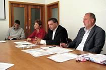 Na čtvrteční tiskové konferenci se sešlo vedení nemocnice i zástupci boskovické radnice.
