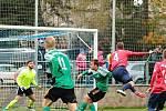 V utkání Moravskoslezské divize D remizoval FK Blansko (v červených dresech) s Tatranem Ždírec nad Doubravou 1:1.