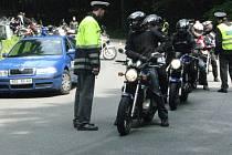 Policejní akce pro motorkáře Nežij vteřinou ve Křtinách.
