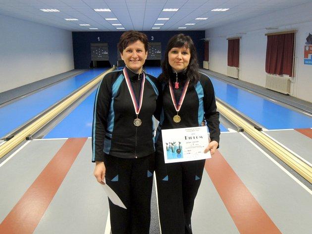 Stříbrná Helena Daňková (vlevo) a zlatá Lenka Kalová.