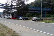 Adamovští chtějí u vlakového nádraží vybudovat parkoviště pro dvacet aut.