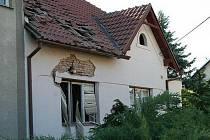 Výbuch otřásl ve středu odpoledne domem v letovické Smetanově ulici.