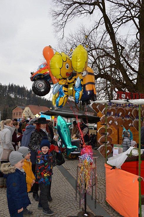 Sloup na Květný pátek ovládla tradiční pouť.