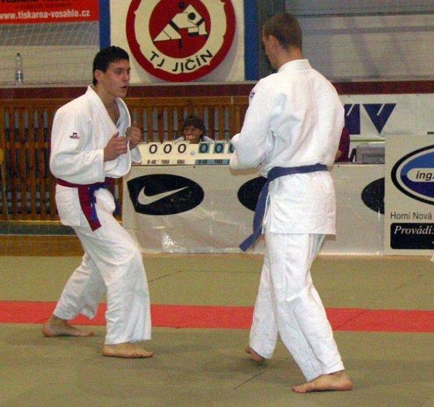 Jiří Boreš (vlevo) se právě pere o titul.