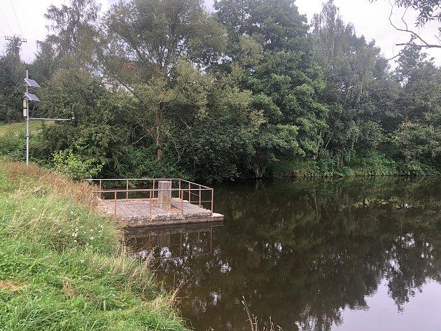 Cetkovický rybník čeká odbahnění a úpravy.