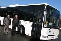 Lidé na Blanensku čeká větší komfort. Povezou je nové autobusy.