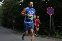 Tomáš Večeřa z BCK Relax Olešnice vyhrál i druhý podzimní závod Hraběnka Cupu. Běžecký seriál má na programu poslední závod v úterý. Běžci vyrazí ze Sloupu do Petrovic.