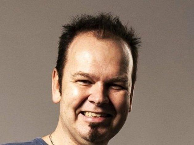 Petr Hurdes, 46let, umělec, Blansko.