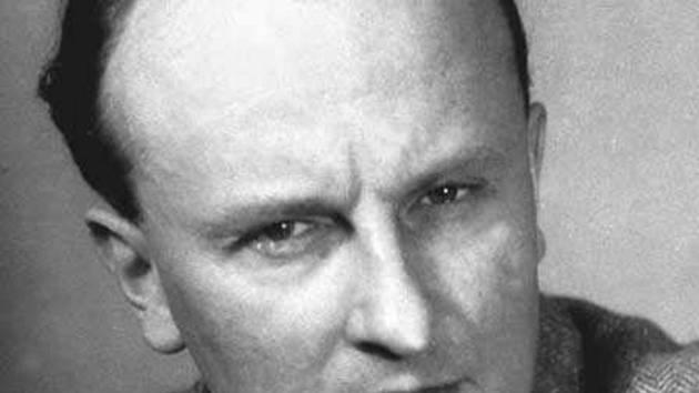 Básník, překladatel a politický pracovník spojený s KSČ Jiří Taufer.