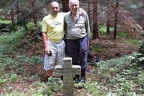 V obci Vrbice připomíná smírčí kámen údajně smrt krejčího. Ten měl zemřít při hospodské bitce. V Dolní Čermné se zase střetli vojáci.