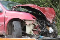 Při dopravní nehodě mezi Šošůvkou a Vysočany se v úterý odpoledne zranilo šest lidí.