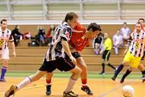 Momentka ze Štěpánského futsalového turnaje v Jedovnicích. Ten nakonec vyhrálo družstvo Krakatit.