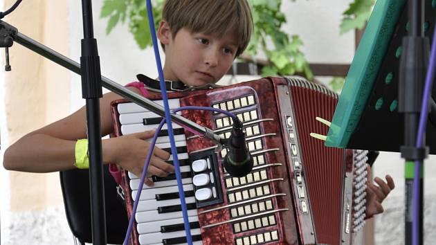 Do Lysic se v sobotu sjeli muzikanti na setkání harmonikářů.
