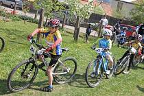 Pohár Drahanské vrchoviny má na Boskovicku tradici. Letos se jede 14. ročník. Foto z Valchovského kameňáku v roce 2009. Tento závod nechybí ani v termínovce pro letošní rok. Začíná se 25. dubna v Okrouhlé.
