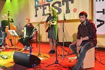 V sobotu organizátoři ze spolku PaLetA uspořádali v prostorách nádvoří a jízdárny letovického zámku už šestý ročník festivalu BiGy Fest.
