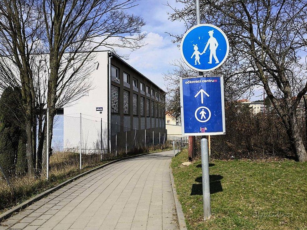 V Blansku v úterý spustí velkokapacitní očkovací centrum. Zázemí má ve sportovní hale v ulici Údolní.
