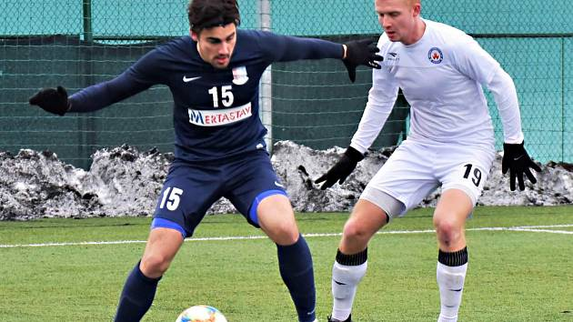 V přípravném utkání na vyškovském umělém trávníku podlehl domácí MFK (bílé dresy) Blansku 2:6.