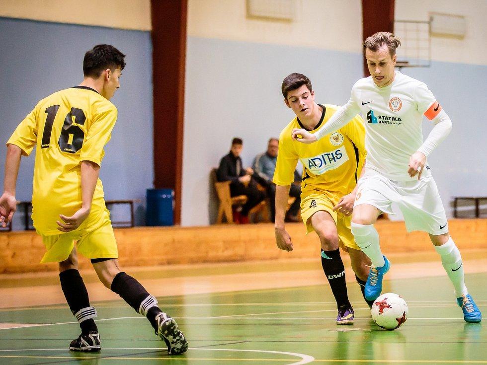 Futsalista a fotbalista David Bednář.