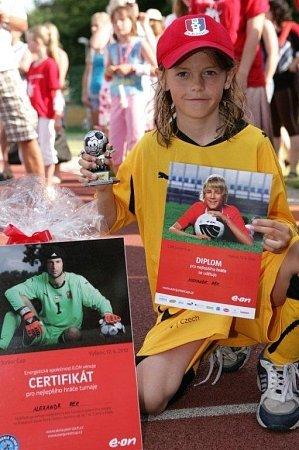 Třináctiletý Alexandr Rek zVavřince je nadaný obránce, který hraje za mládežnické oddíly FK Blansko, Zbrojovku Brno a je reprezentantem Jihomoravského kraje. Zazářil již vcelé řadě fotbalových klání.