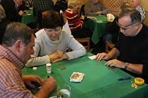 V blanenské restauraci Punkva šustily taroky. Hrál se poslední turnaj Grand Prix.