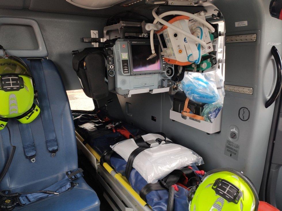 Pohled na leteckou záchrannou službu. Barevné snímky jsou zcela aktuální.