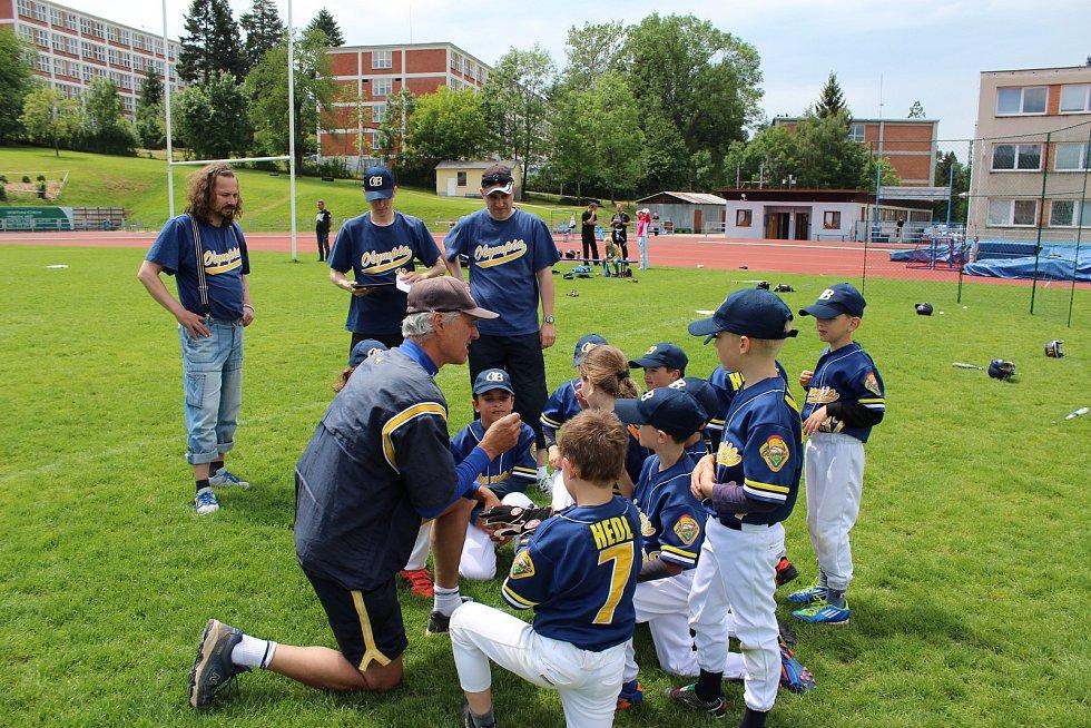 Mladí baseballisté blanenské Olympie jsou připraveni naskočit do tréninku.