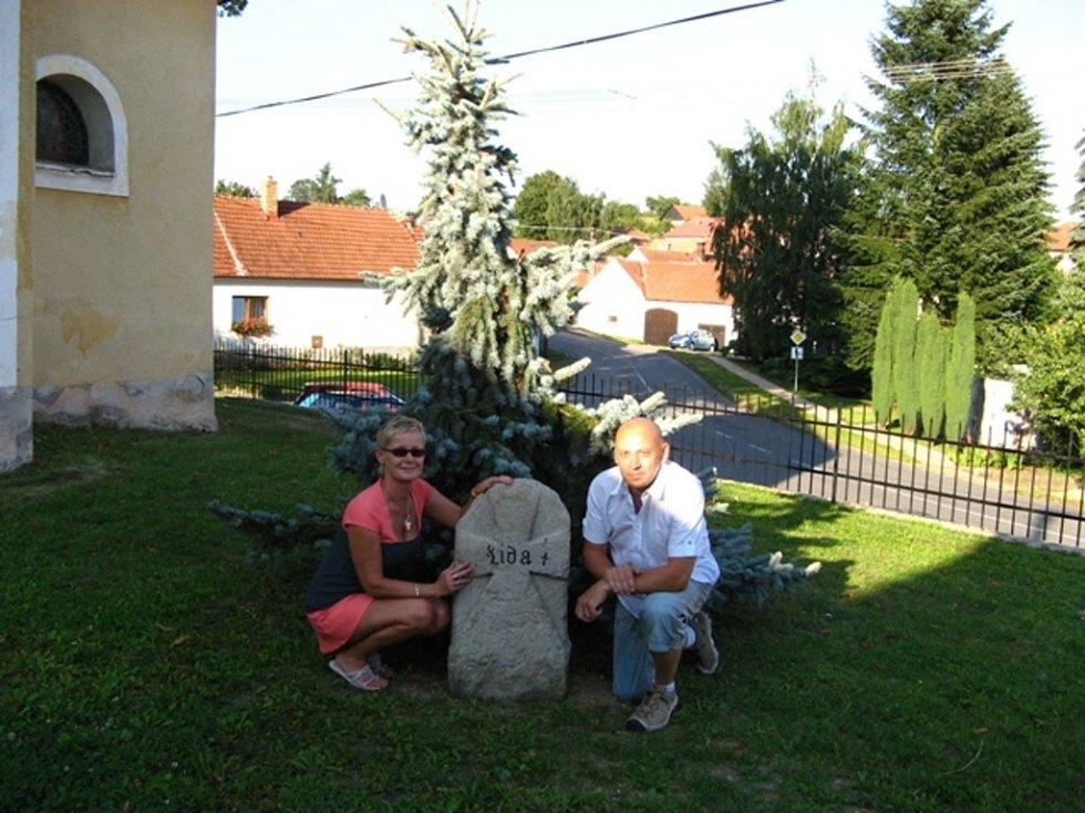 V dnešním díle seriálu Blanenského deníku Rovnost Po stopách smírčích křížů se vypravíme za kříži a kameny na Svitavsko, Jihlavsko a do okolí Českých Budějovic.