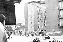 Závody motokár v roce 1966 na křižovatce v Blansku. Nyní zde stojí kruhový objezd