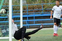 Situace na dálnici hodně usnadnila Pivovaru Černá Hora Blanensko cestu za vítězstvím ve třetím kole Superligy malého fotbalu. V zácpě na cestě zůstala pětice hráčů Mostu a bez nich šestičlenný tým vzdoroval marně, prohrál 1:8.