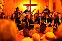 Pásmo adventních koncertů a pořadů má v blanenském dřevěném kostelíku tradici.