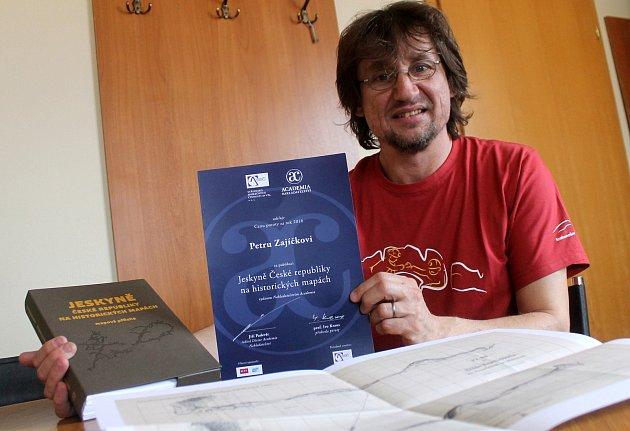 Speleolog Petr Zajíček zVavřince napsal bibli Moravského krasu.