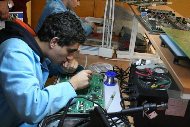 Studenti střední školy se nemusí bát neúspěchu.  Zájem firem o technické specialisty neutuchá.