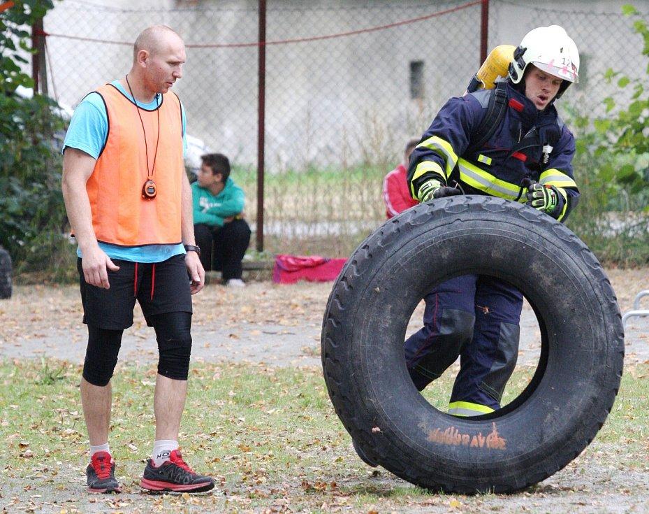 Doubravičtí hasiči pořádali druhý ročník soutěže TFA. Nejtvrdší hasič přežije. Závodila padesátka mužů a čtrnáct žen.