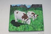 Desetiletý Jonáš Jura zbožňuje krávy. Kreslí jednu za druhou a jeho obrázky jsou nyní k vidění v blanenské knihovně.