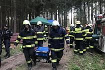 V krasu zachraňovali trojici turistů. Jednalo se o cvičení policie, hasičů a záchranářů.