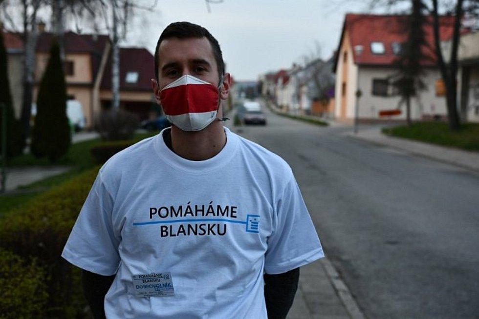 Ze života blanenských skautů. Blanenští skauti se během pandemie zapojili do programu Pomáháme Blansku.