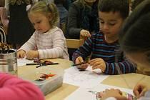 Černohorští pořádali v neděli Adventní trh s kavárnou. Osvěžila ho dětská vystoupení a dobroty. Výtěžek věnují postižené Amálce.