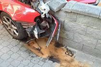 Řidička osobního auta nezvládla v pondělí dopoledne jízdu v obci Černá Hora a havarovala.