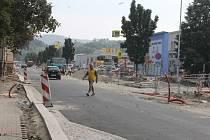 Práce na opravě průtahu Blanskem se zpozdí. V ulici Svitavská nestihnou opravit chodníky v termínu, tedy do konce září.