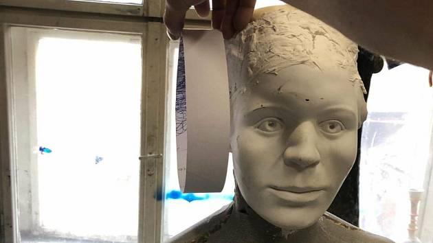 Z Býčí skály do muzea. Blanenští vystaví unikátní sochu princezny.