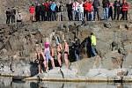 V Šošůvce se v neděli konala v tamním zatopeném lomu třetí otužilecká show.