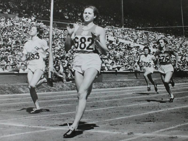 Atletka Olga Oldřichová.