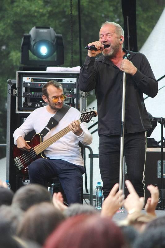 Zámecký park v Blansku ovládl třetí ročník hudebního festivalu Morava Park Fest.