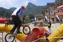 ČEŠI V ČÍNĚ. Blanenští biketrialisté zažili exotický výlet na mistrovství světa v Číně.
