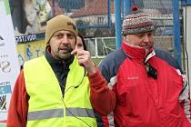 Ředitel Ráječkovské desítky Zdeněk Přibyl (vlevo) se sportovním ředitelem závodu Erikem Řezníkem při loňském vyhlášení výsledků.
