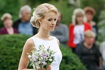 Lysický zámek pořádal už šestou svatební show. S módní přehlídkou a mažoretkami.