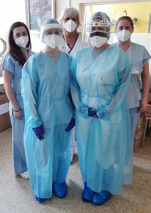 V Nemocnici Boskovice se nyní starají zhruba o pětadvacet lidí nakažených koronavirem. Z toho je pět na jednotce intenzivní péče a oddělení ARO napojeno na ventilátory.