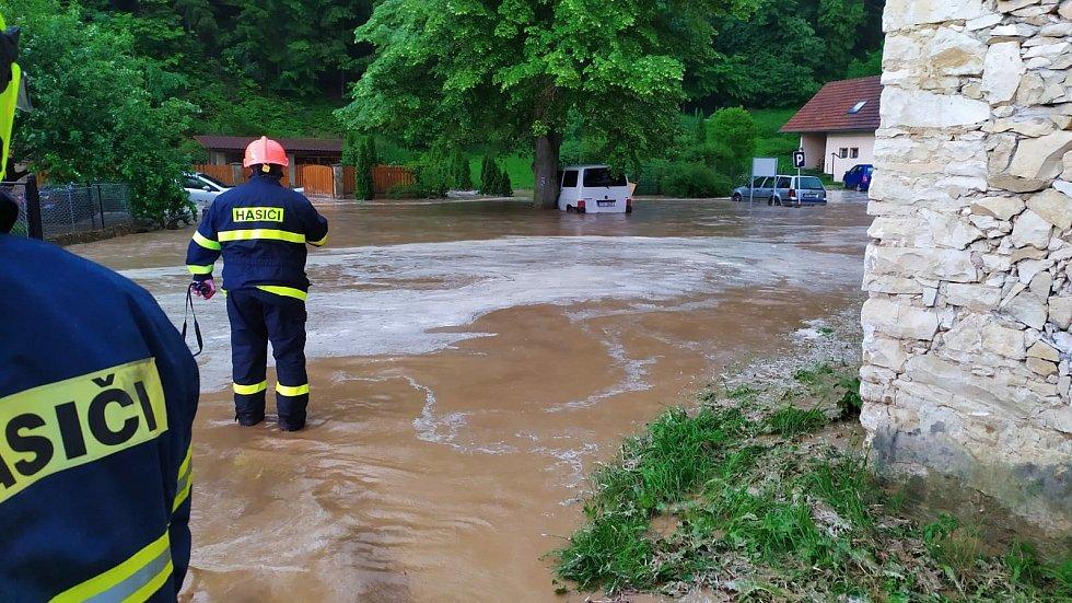 Velkou Roudku propláchla v sobotu blesková povodeň.