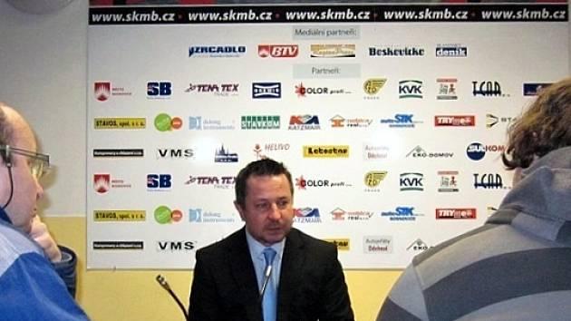 Trenér Dynamiters Blansko Petr Drahovzal.