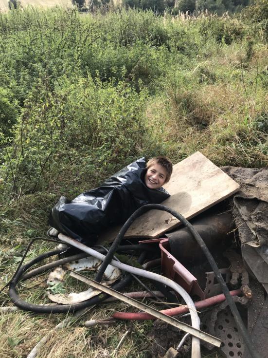 Dobrovolníci uklízeli v Olešnici.